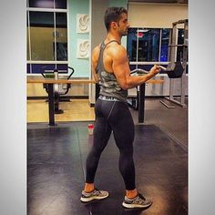Men in lycra, tights and spandex that drive me WILD Mens Tights, Sport Tights, Sport Pants, Lycra Men, Hipster Man, Running Pants, Gym Style, Mens Activewear, Tight Leggings