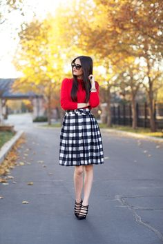 I've got the perfect fabric for this! Another pinner said: Checkered skirt and red sweater for the holidays Skirt Outfits, Dress Skirt, Cool Outfits, Checkered Skirt, Gingham Skirt, Holiday Party Outfit, Black And White Skirt, Party Skirt, Pink Peonies