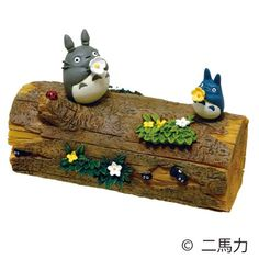 【スタジオジブリ・となりのトトロ】小物入れ(お花のラッパ) 認印を入れて玄関に置いたり、クリップを入れてデスクに置いたりと何かと使える小物入れ。