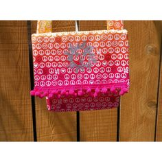 Silver Sun on Peace and Love Ombre Orange Pink Yellow Envelope Bag (1.600 ISK) via Polyvore featuring bags, handbags, shoulder bags, purse crossbody, handbags crossbody, handbags shoulder bags, envelope clutch bag and yellow envelope clutch