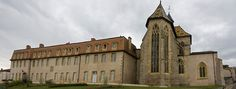 Église Saint-Martin d'Ambierle - PRIEURE ET EGLISE ST MARTIN D'AMBIERLE 1) HISTORIQUE, 3: L'église est classée sur la première listes des Monuments Historiques établie par Prosper Mérimée en 1840, les façades et les toitures sont inscrits en 2010, le prieuré incluant tous les anciens bâtiments sont classés en 2011.
