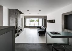 Gallery of Courtyard House / FORM   Kouichi Kimura Architects - 11