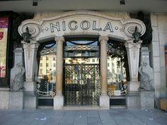 Café Nicola, aan de westkant van de Rossio, stadsdeel Baixa, Lisboa. Het café…