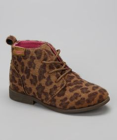 <p+style='margin-bottom:0px;'>Little+feet+on+the+go+look+all+the+more+stylish+when+decked+out+in+animal+print!+A+pink+interior+adds+a+fun,+unexpected+punch+of+color+that+will+have+the+tiniest+of+style+mavens+smiling.<p+style='margin-bottom:0px;'><li+style='margin-bottom:0px;'>Lace-up<li+style='margin-bottom:0px;'>Man-made<li+style='margin-bottom:0px;'>Imported<br+/>