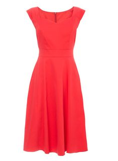 From our Sophie Gray Occasion range, a beautiful red prom dress with a sweetheart neckline, and underskirt netting.