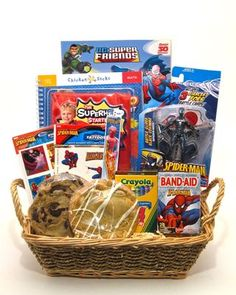 super hero Raffle Gift Basket Ideas, Diy Gift Baskets, Raffle Ideas, Raffle Baskets, Prize Ideas, Gifts For Brother, Gifts For Boys, Silent Auction Baskets, Superhero Coloring
