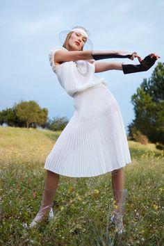 Rozanne Verduin   Harper's Bazaar en Español   Floral Fashion Editorial