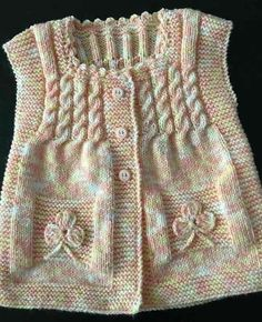 ♥ - Her Crochet Baby Dress Patterns, Baby Knitting Patterns, Knitting Designs, Knitted Baby Clothes, Knitted Hats, Baby Cardigan, Easy Knitting, Baby Sweaters, Outfit Sets