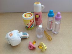 Baby Stuff in Toy Capsules Barbie Has A Baby, Barbie Kids, Barbie Dolls, Barbie Miniatures, Mini Doll House, Barbie Doll Accessories, Silicone Baby Dolls, Diy Bottle, Baby Swings