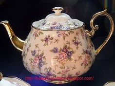 Limited Edition Royal Albert Teaset - 1940 English Chintz The teapot set is SOLD OUT in Singapore and Malaysia and the shop tak bawa ma. China Cups And Saucers, Teapots And Cups, China Tea Cups, Royal Albert, Tea Sets Vintage, Vintage Teacups, Tea Pot Set, My Cup Of Tea, Tea Cup Saucer