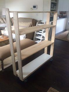 Rolling shelves/bookcase ~ free DIY