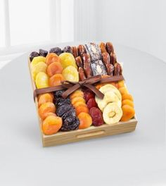 The Flower Factory Kosher Gourmet Dried Fruit Tray Tarzana, CA, 91356 FTD Florist Flower and Gift Delivery Dried Pears, Dried Fruit, Dry Fruit Tray, Fruit Gifts, Variety Of Fruits, Gourmet Gifts, Fruit In Season, Delicious Fruit, Chocolate