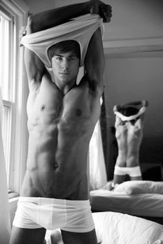 Zach Efron oh hot damn!