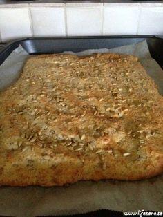 Testar fram Monique's LCHF bröd | Bakverk/Desserter | LifeZone