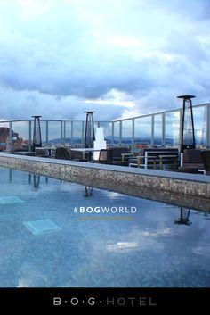 Vive una noche diferente. Descubre la magia dorada en la noche de Bogotá.  #LifeStyle #Bogota #Hotel #Colombia #BOGStyle #LuxuryExperience