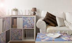 Klebefolie für das IKEA Expedit Regal und den IKEA Lack Tisch #creatisto Ikea Regal Expedit, Kallax, House Design, Apple, Cool Stuff, Ikea Hacks, Home, Woven Rug, Interior Decorating