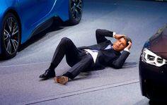 Salone di Francoforte: il Ceo di BMW accusa un malessere (FOTO)