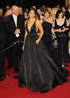Camila Alves 2011 Oscar Black V-neck Formal Dress Red Carpet Ball Gown