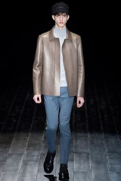 Gucci - Fall 2014 Menswear - Look 5 of 41?url=http://www.style.com/slideshows/fashion-shows/fall-2014-menswear/gucci/collection/5