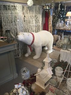 8ft Polar Bear in the house! Browsers.ie