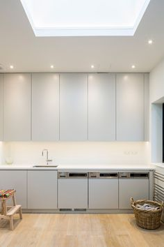 Muswell hill house london modern kitchen by jones associates architects modern Home Renovation, Home Remodeling, 1930s House Exterior, House Extension Plans, Rear Extension, Extension Ideas, Room London, London Property, Boutique Homes