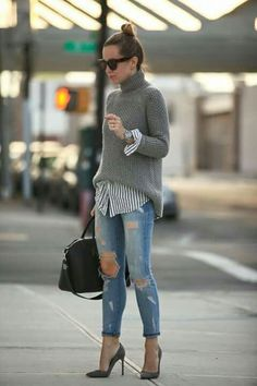 Women Clothing Sweaters combine: Trendy with Blouse, Destroyed Jeans and Pumps Women ClothingSource : Pullover kombinieren: Trendy mit Bluse, Destroyed Jeans und Pumps by Mode Outfits, Fall Outfits, Casual Outfits, Striped Outfits, Striped Dress, Outfits 2016, Fashionable Outfits, Striped Tops, Simple Outfits