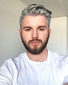 Just changing things up ‍♂️(Silver/grey hair colour by Aleisha at blue phoenix hair design) definitely recommend if you are in Melbourne #silverhair #greyhair #hair #bluephoneix #instagay #gay