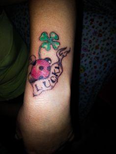 III° tatuaggio... mi mancano solo 25 anni x dire di essere una 'esperta' tatuatrice... che pazienza!