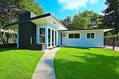 Midcentury Remodel in a GREAT Secret Tacoma Neighborhood for $169k - who knew Tacomaroma had houses like this?