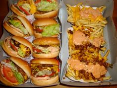 19 Secret Menu Items To Conquer At Fast Food Chains - Lebensmittel In And Out Burger, Burger And Fries, Menu Secret, Secret Menu Items, Food Porn, Fast Food Chains, Yummy Food, Tasty, Yummy Yummy