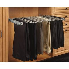 Closet Organization Hacks und Storage-Ideen Closet pull out pant rack for easy closet storage - Aufbewahrung Smart Closet, Simple Closet, Walk In Closet, Closet Small, Diy Closet Shelves, Closet Storage, Bedroom Storage, Foyers, Storage Ideas