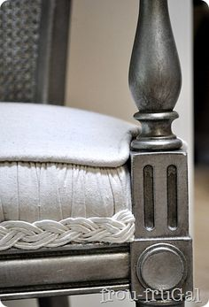 How to create an aged silver finish using Krylon metallic spray paint.