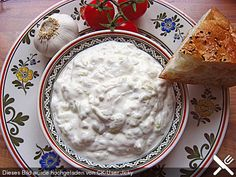 Tzatziki, as I brought it from Crete- Tzatziki, wie ich es aus Kreta mitgebracht habe Tzaziki, as I brought it from Crete (recipe with picture) Greek Recipes, Dip Recipes, Grilling Recipes, Snack Recipes, Snacks, Salad Recipes, Pesto Dip, Egg Recipes For Breakfast, Diy Food
