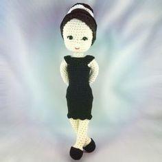 Kostenlose Häkelanleitung: Audrey Hepburn Häkelpuppe