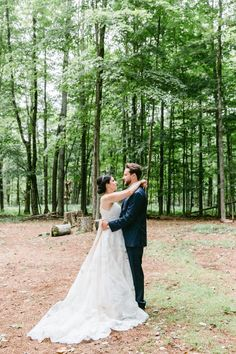 Gilbertsville Farmhouse wedding by Laura Rose Photography Beach Wedding Aisles, Wedding Aisle Decorations, Outdoor Wedding Reception, Rustic Wedding Centerpieces, Outdoor Weddings, Romantic Weddings, Reception Ideas, Outdoor Wedding Inspiration, Wedding Ideas
