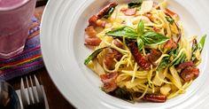Roma caput mundi... del gusto! Scoprite la speciale Top 10 dei migliori ristoranti della capitale, per un'esperienza gastronomica indimenticabile.