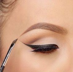 perfect cat eye. #makeup
