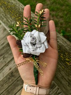 Made my first Christmas wedding boutonnière with pinecones, a feather and a sheet music paper flower. Gold, DIY - New Deko Sites Paper Flowers Wedding, Paper Flowers Diy, Paper Roses, Wedding Paper, Diy Paper, My First Christmas, Christmas Wedding, Trendy Wedding, Diy Wedding