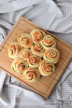 Torta di rose con zucchine, bacon e caciotta affumicata