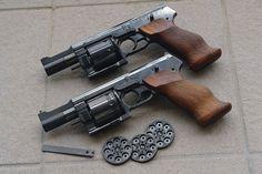 Original or prototype Italian designed MATEBA revolvers. Self Defense Weapons, Weapons Guns, Guns And Ammo, Glock Guns, Tactical Knives, Tactical Gear, Rifles, Arsenal, Revolver Rifle