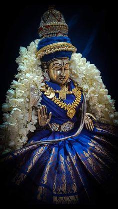 Lakshmi Photos, Shiva Photos, Lakshmi Images, Lord Shiva Statue, Lord Krishna Wallpapers, Kali Goddess, Diwali Decorations, Krishna Art, Hindu Art