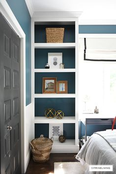 Modern coastal teen bedroom - open shelves with modern accessories - woven baskets., wood frames, modern art and objects. Bookshelf Styling, Bookshelves Built In, Modern Coastal, Coastal Decor, Teen Bedroom Makeover, Teen Bedding, Bedroom Accessories, Bedroom Themes, Open Shelving