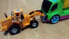 Sumitomo Forklift toy and Bruder Liebherr Digger fight !