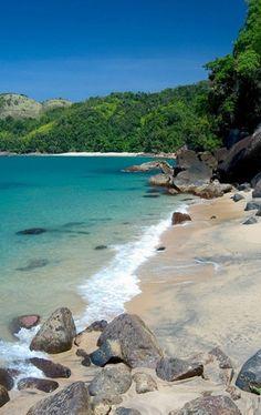 https://www.pinterest.com/soniamreisc/paisagens-de-praias-ilhas-lagos-e-outros-mais/
