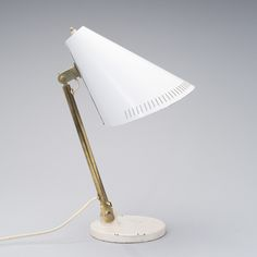 Table lamp 9222 designed by Paavo Tynell for Taito/Idman. Desk Lamp, Table Lamp, Nordic Design, Lamp Design, Lamp Light, Light Fixtures, Scandinavian, Shades, Brass