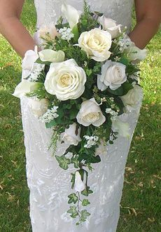 cascade bridal bouquet with full white roses Cascading Bridal Bouquets, Summer Wedding Bouquets, Bride Bouquets, Bridal Flowers, Flower Bouquet Wedding, Rose Bouquet, Floral Bouquets, Floral Wedding, Bridesmaid Bouquets