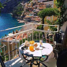 Breakfast anyone? Amalfi Coast, Italy. Photo by @darwinphotography