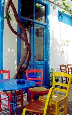 Pick a color, coffee place in Sigri- Lesvos island