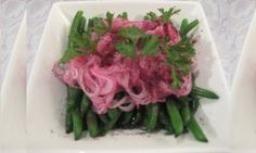 Looking to make green beans exciting?  Find a delicious, fat free green bean side dish or meze. Quick and Easy!