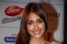 Jiah Khan death is not news anymore, the actress was found hanging from the ceiling fan in her juhu apartment on June 3, 2013, since then there have been a lot of speculation over her death, Jiah, was  dating actor Aditya Pancholi's son, Sooraj Pancholi. Jiah's mother Rabia has repeatedly
